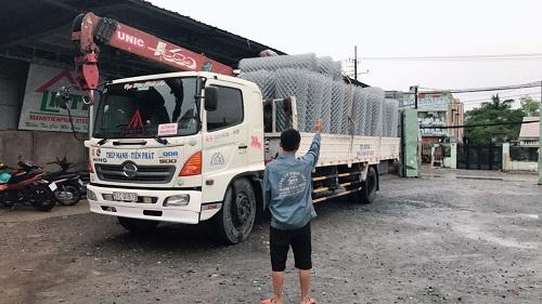 giao hàng lưới kẽm